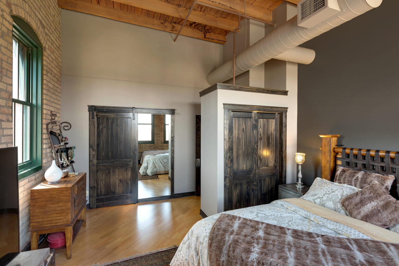 Groovy Master Suites Plekkenpol Builders Inc Bloomington Mn Beutiful Home Inspiration Xortanetmahrainfo